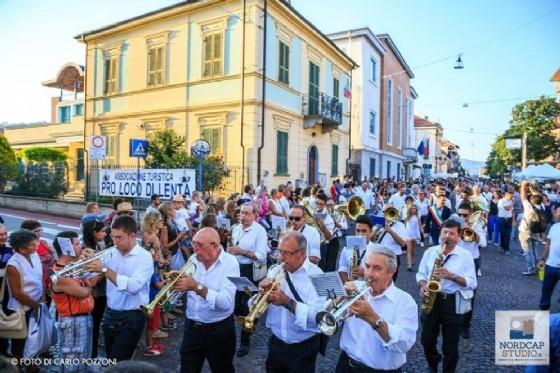La sfilata inaugurale della Festa dell'Uva di Gattinara