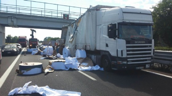 Il mezzo coinvolto nell'incidente (© Autovie Venete)