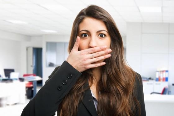 Alito cattivo: mela, menta e lattuga eliminano il cattivo odore (© Minerva studio | Shutterstock.com)