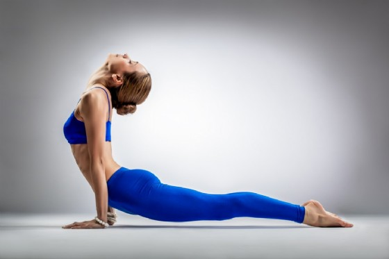 Asana yoga per prevenire l'artrite (© Alexander Y | Shutterstock)