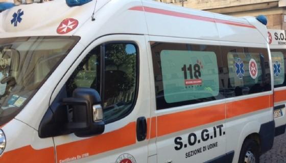 Sul luogo dell'incidente l'ambulanza del 118 (© Diario di Udine)