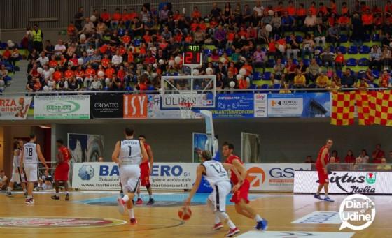 Un'azione di gioco della partita tra Udine e Ravenna