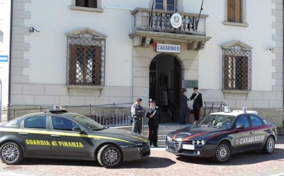 Carabinieri a Guardia di Finanza insieme (© Carabinieri)