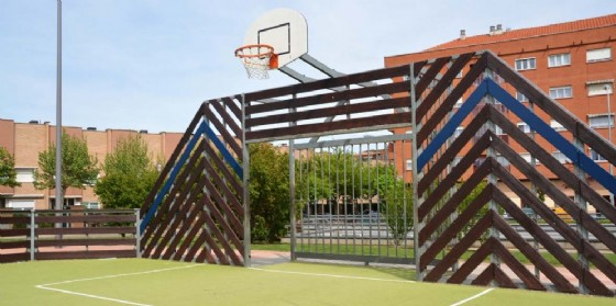 Un campo da basket (© Adobe Stock)