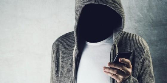 Un minorenne nei guai per il furto di uno smartphone (© Adobe Stock)