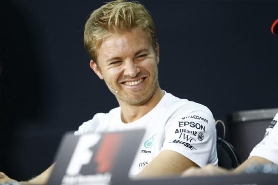 Lorenzo proverà la Mercedes di Hamilton a Silverstone