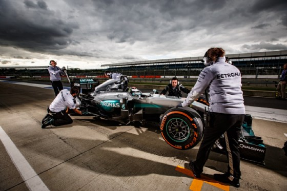 Jorge Lorenzo al volante della Mercedes W05 (© Mercedes)