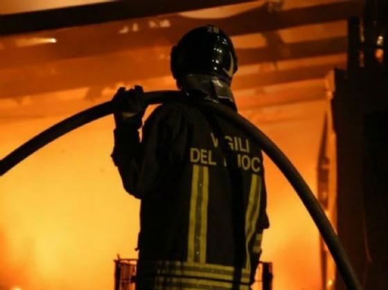 Vigili del Fuoco in azione mercoledì notte a Udine (© Adobe Stock)