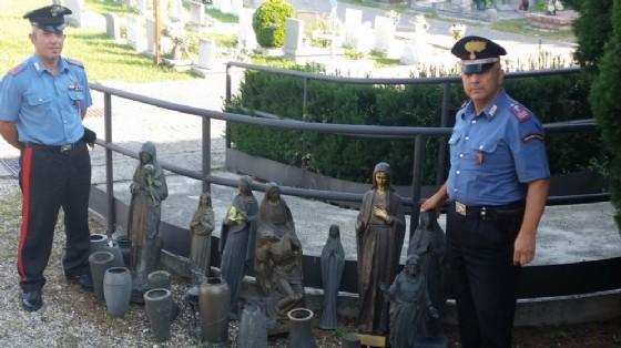 Il materiale recuperato dai carabinieri (© Carabinieri)