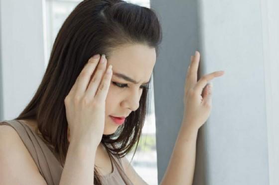 Calo improvviso della pressione, si rischia la demenza (© 9nong | Shutterstock.com)