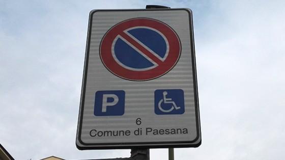 Cartello «Comune di Paesana» a Torino in via Domodossola