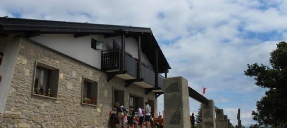 L'esterno del Rifugio Pelizzo dove si svolgerà la festa conclusiva della stagione scoppiettante di Assorifugi (© Assorifugi)