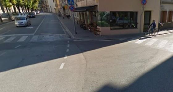 L'incrocio tra piazza Garibaldi e via Cussignacco (© Google)