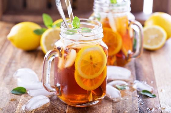 Le proprietà del succo di limone (© Elena Veselova | Shutterstock)