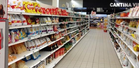 Polemiche per le mancate chiusure festive dei negozi (© Diario di Udine)