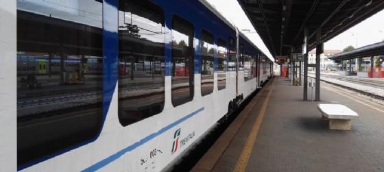 Il treno regionale 2882 di Trenitalia ha investito una persona, molti i disagi (© Diario di Udine)