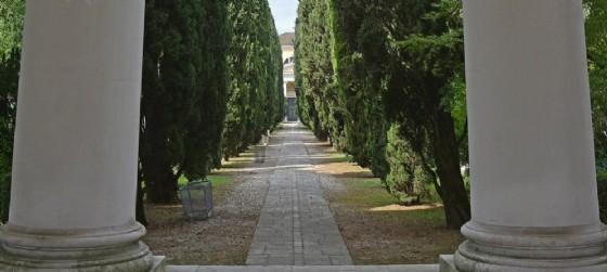 Nuovi orari per i cimiteri di Udine in occasione della settimana che ricorda i defunti (© AdobeStock | dragoncello)