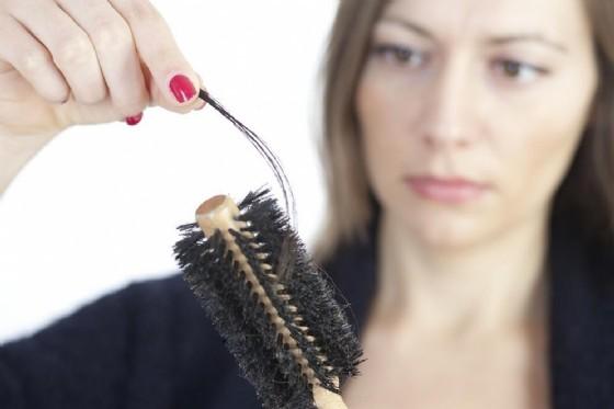 Caduta capelli, in autunno è normale (© Adam Gregor | Shutterstock.com)