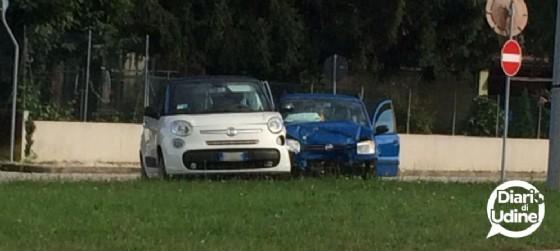 Uno dei due incidenti che si sono verificati nella mattina del 26 ottobre a Udine (© Diario di Udine)