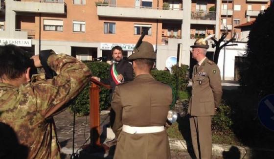 Il sindaco Brollo durante la cerimonia di commiato del 3° (© Brollo)