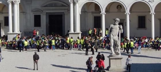 Oltre 500 bimbi nel centro storico di Udine, per il 'Pedibus' (© Comune di Udine)