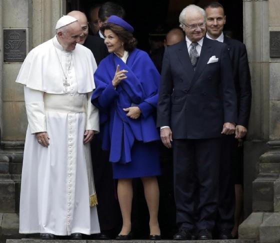 Papa Francesco con i reali svedesi