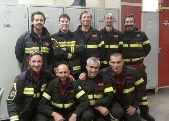 I nove vigili del fuoco Biellesi che raggiungeranno le popolazioni colpite dal terremoto in centro Italia
