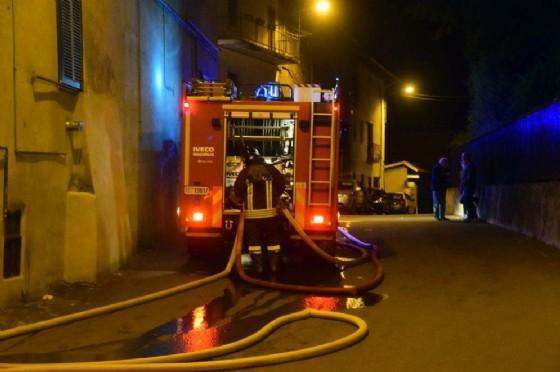 Ben quattro le squadre intervenute, oggi, a Cossato, dei vigili del fuoco