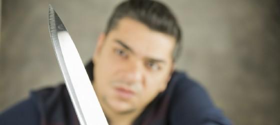 Aggressione e minacce di morte al fratellastro (© Adobe Stock - aytuncoylum)