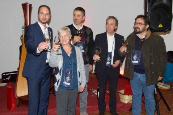 Le autorità presenti alla festa dei vent'anni di apertura dell'agriturismo (© Regione Friuli Venezia Giulia)