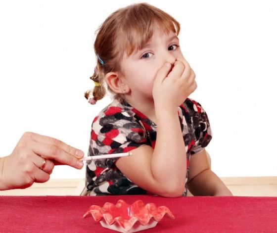 Il fumo passivo fa male ai bambin (© | Shutterstock)