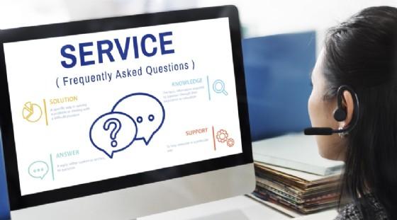 Un operatore dei call center su cinque in Italia rischia il posto di lavoro. (© Rawpixel.com | Shutterstock.com)