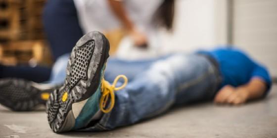 19enne in prognosi riservata dopo un infortunio sul lavoro (© AdobeStock | pixelaway)