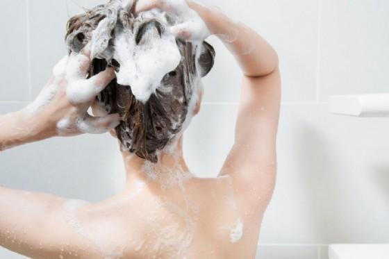 Shampoo e altri cosmetici possono contenere piombo in eccesso (© Sahacha Nilkumhang | shutterstock.com)