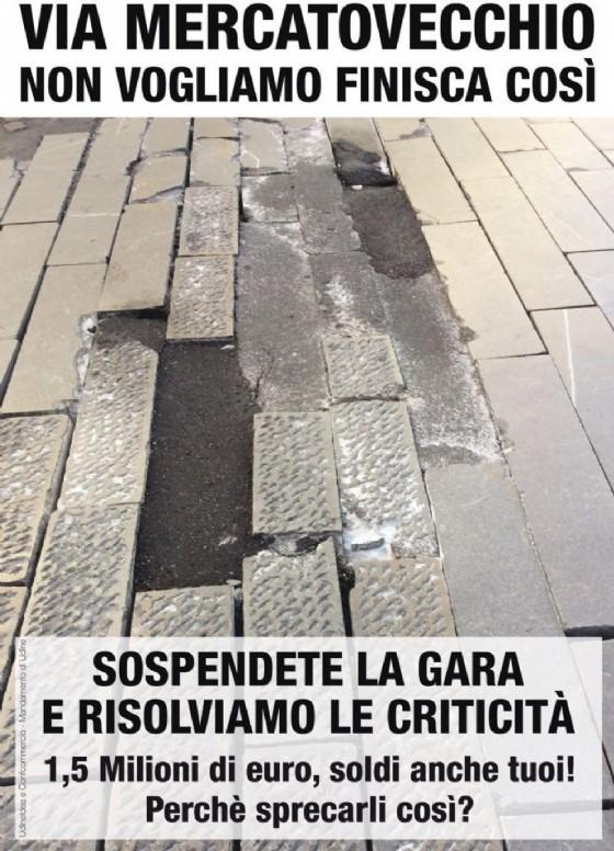 Confcommercio e UdineIdea: volantinaggio contro la pedonalizzazione di Mercatovecchio (© Confcommercio e UdineIdea)