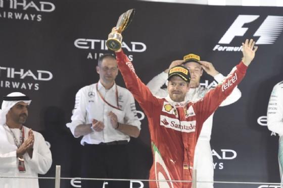 Sebastian Vettel sul podio (© Ferrari)