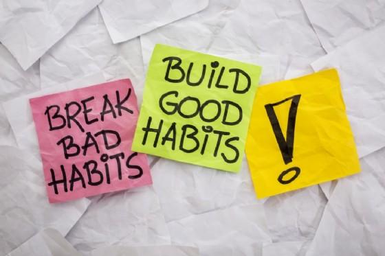Le vecchie credenze a abitudini che non dobbiamo portare nel 2017 (© Shutterstock.com)