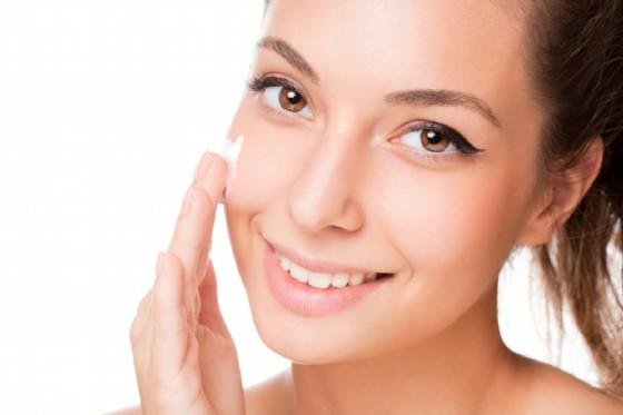 Latte per la pelle (© Lithian | Shutterstock)