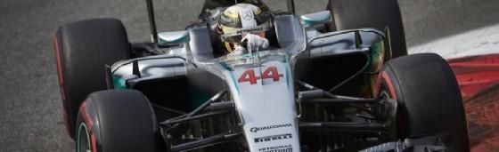 Sotto alla carrozzeria del muso, la Mercedes nascondeva un sistema irregolare (© Mercedes)