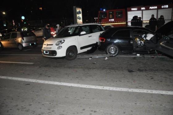 Incidente in piazza Manno: sette auto coinvolte
