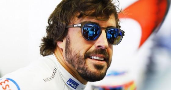 Alonso provoca: