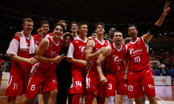 I giocato di Trieste in festa dopo la vittoria (© Pallacanestro Ts)