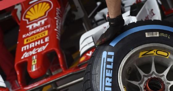 Le gomme Pirelli al box Ferrari (© Pirelli)