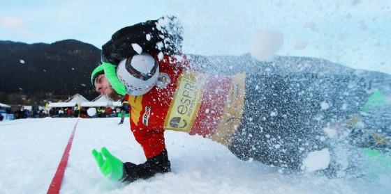 Un atleta impegnato nello snow rugby a Tarvisio (© Snow Rugby)