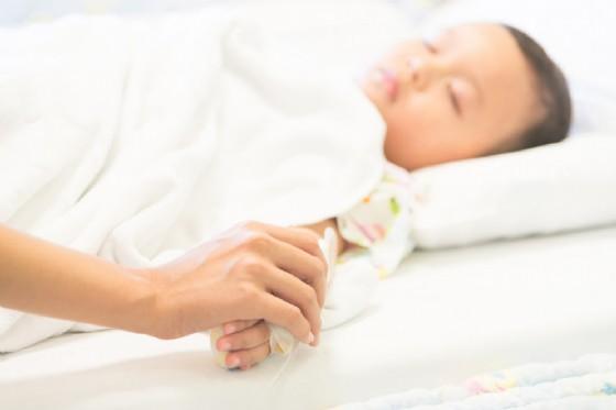 Allarme meningite, corsa in ospedale per un bambino di 4 anni