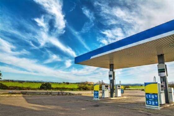 M5S: Dal Zovo, fare chiarezza su pubblicità prezzi carburanti (© Adobe Stock)