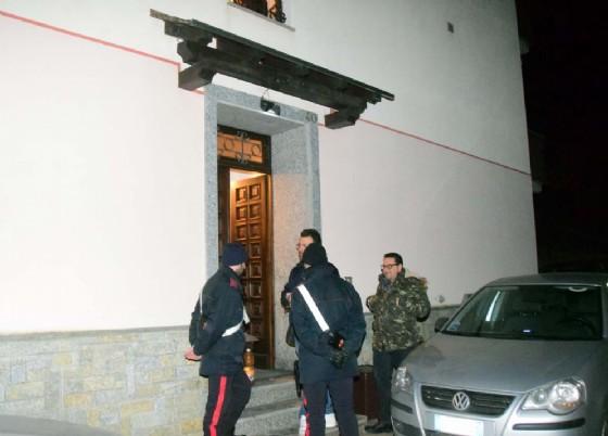 I carabinieri stanno svolgendo le indagini del caso