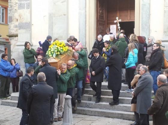 Un momento del funerale di oggi (© Biella Rugby)