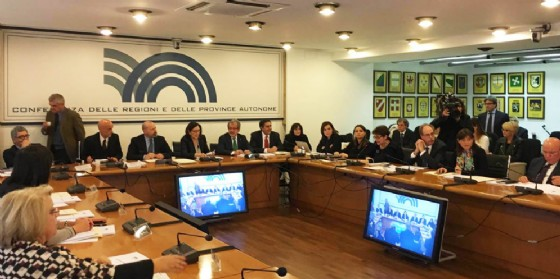 La riunione a cui hanno preso parte Serracchiani e Torrenti (© Regione Friuli Venezia Giulia)