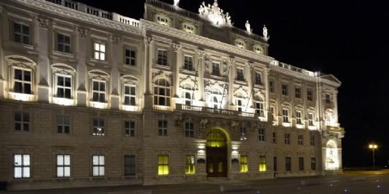 Il palazzo della Regione illuminato di giallo